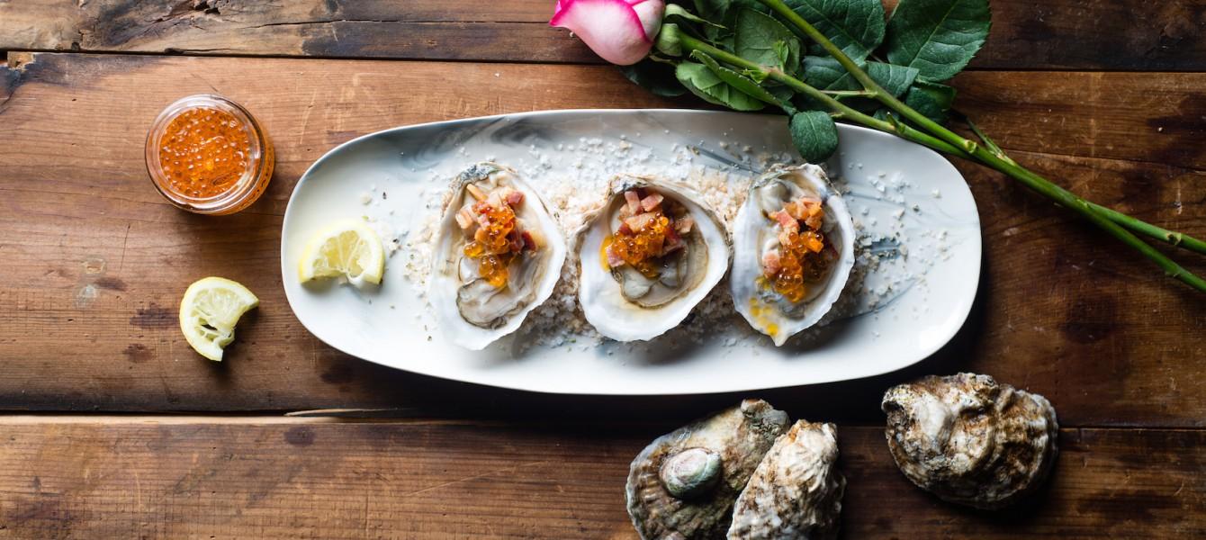 Oysters & Caviaroli